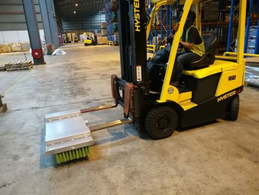 Fork Lift Attached Sweeper Broom