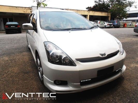 TOYOTA WISH VENTTEC DOOR VISOR