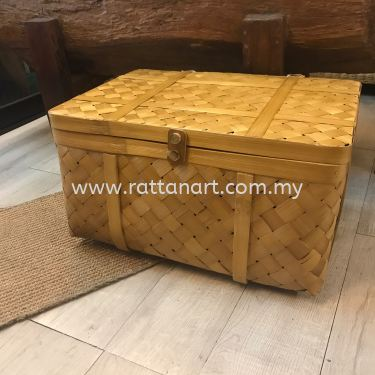 RATTAN STORAGE / LAUNDRY BASKET WITH LID