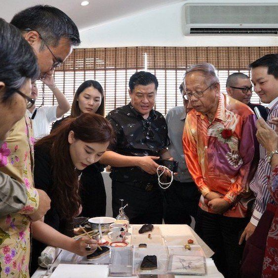 """Jiangnan Baigong"" Intangible Cultural Heritage Overseas Exhibition Kick off in Malacca  M'sia News"
