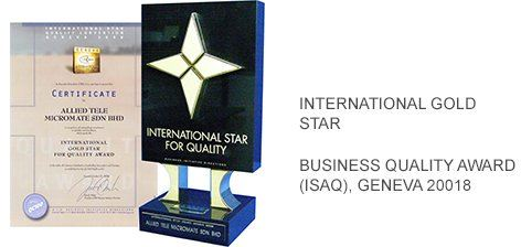 Mr. Desmond Lee receiving the International Star Award for Quality from Mr. Jose E. Prieto, President and CEO of BID, Geneva on 27 October 2008