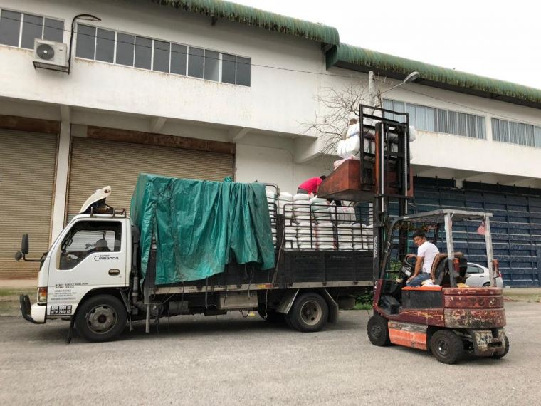 03.10.2018 Loading bundle to customer's lorry