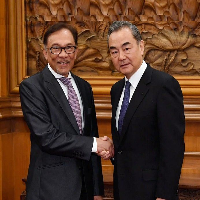 "Anwar underlines ""Serious"" bid to strengthen ties after meeting Wangyi M'sia News"