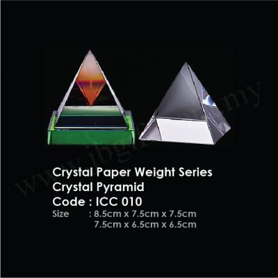 Crystal Paper Weight Series Crystal Pyramid ICC 010