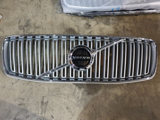 VOLVO XC90 2016 GRILL (WHITE)