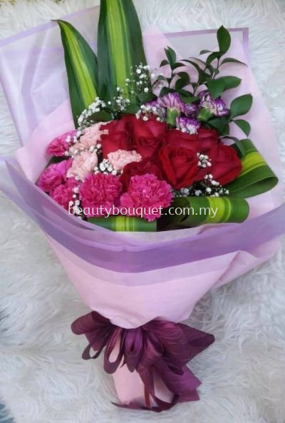 RB 048 Roses Bouquet