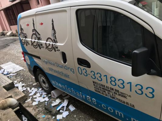 Nv 200 car sticker wrapping