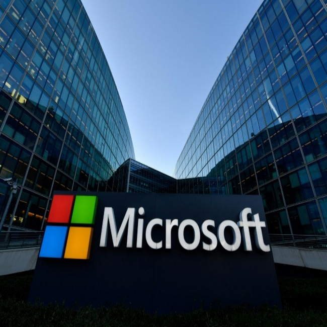 Microsoft's stock market value pulls ahead of Apple's China News