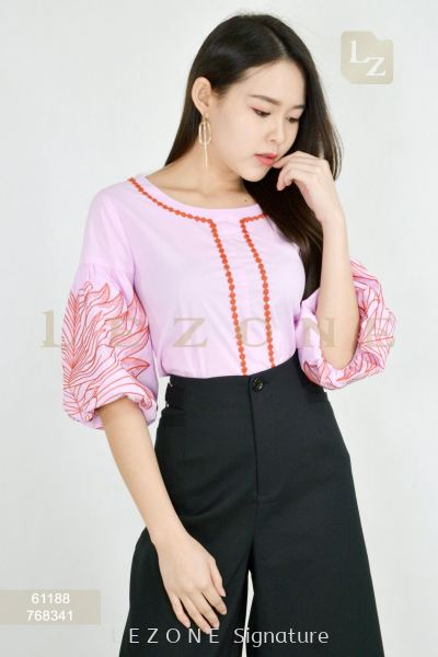 61188 PLUS SIZE EMBROIDERED BLOUSE