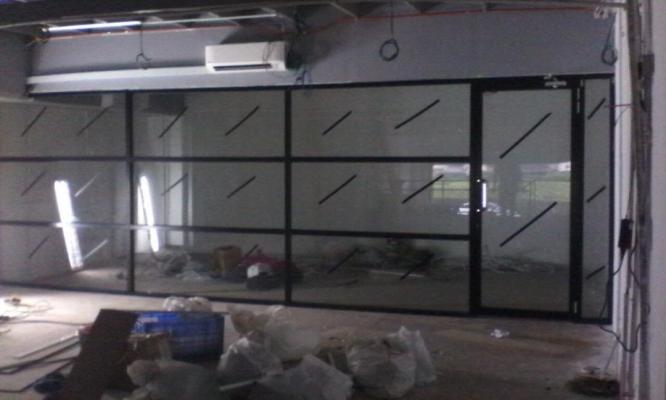 Commercial Aluminium Glass & Door