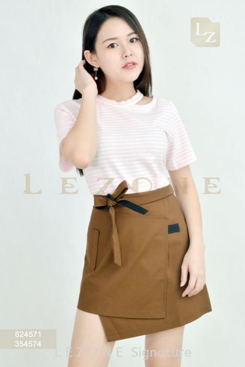 624571 STRIPED BLOUSE【AS IS RM35】