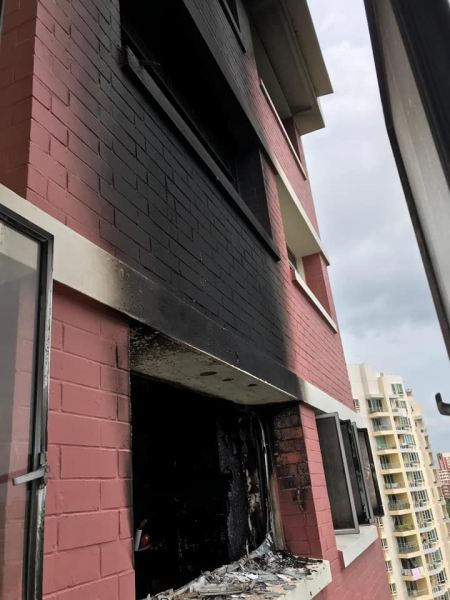 Early morning fire at Pasir Ris, one take to hospital