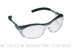 3M™ Nuvo™ Protective Eyewear 11411-00000 (OHEYEMM1100042)