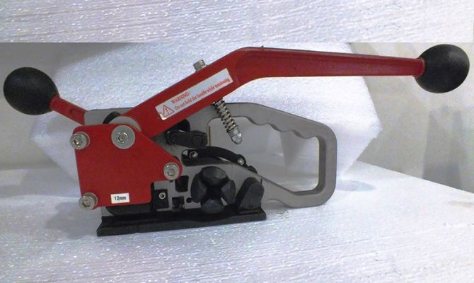 Manual PET Strapping Tool