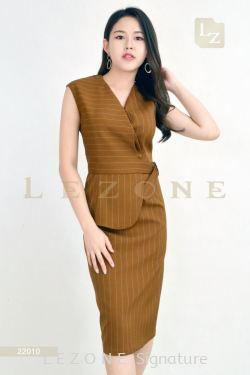22010 PLUS SIZE STRIPED V-NECK DRESS【2 FOR RM149】
