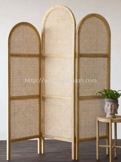 SCR 020 - RATTAN SCREEN DIVIDER