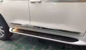 TOYOTA LAND CRUISER FJ200 DOOR SIDE STEP WITH LAMP