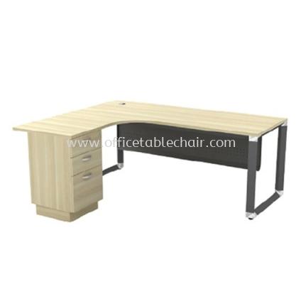 L-SHAPE TABLE METAL PYRAMID LEG C/W STEEL MODESTY PANEL & FIXED PEDESTAL OML 552-3D