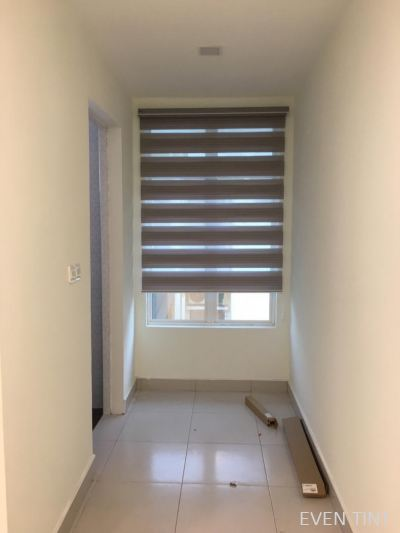 11 set roller blinds