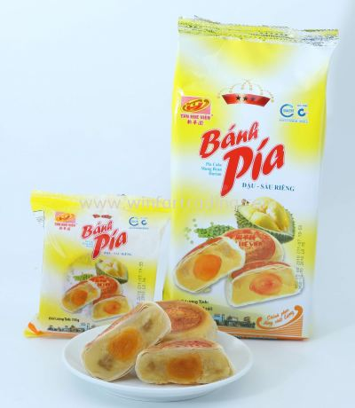 MUSANG KING DURIAN PIA WITH YOLK