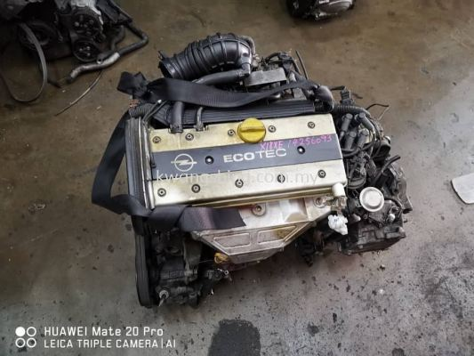 Opel Vectra B 1.8 Engine