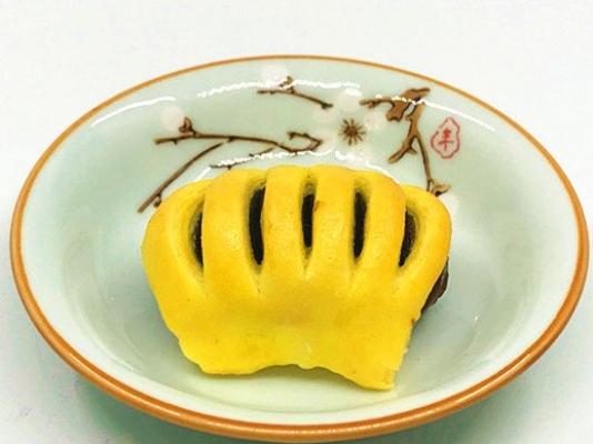 MINI CRISPY PASTRY W RED BEAN FILLING 酥皮豆沙饼仔