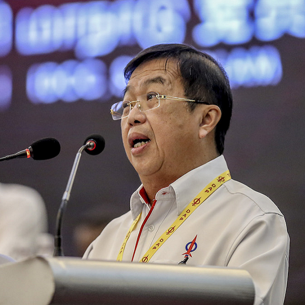 PH government shows good sign by only keeping Special envoy to China M'sia News