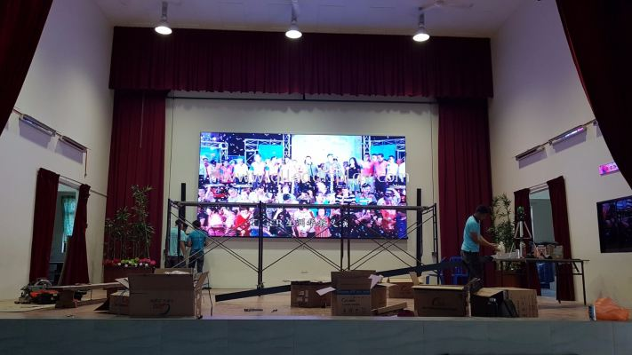 17.85FT x 8.9FT P4 INDOOR FULL COLOUR LED DISPLAY BOARD
