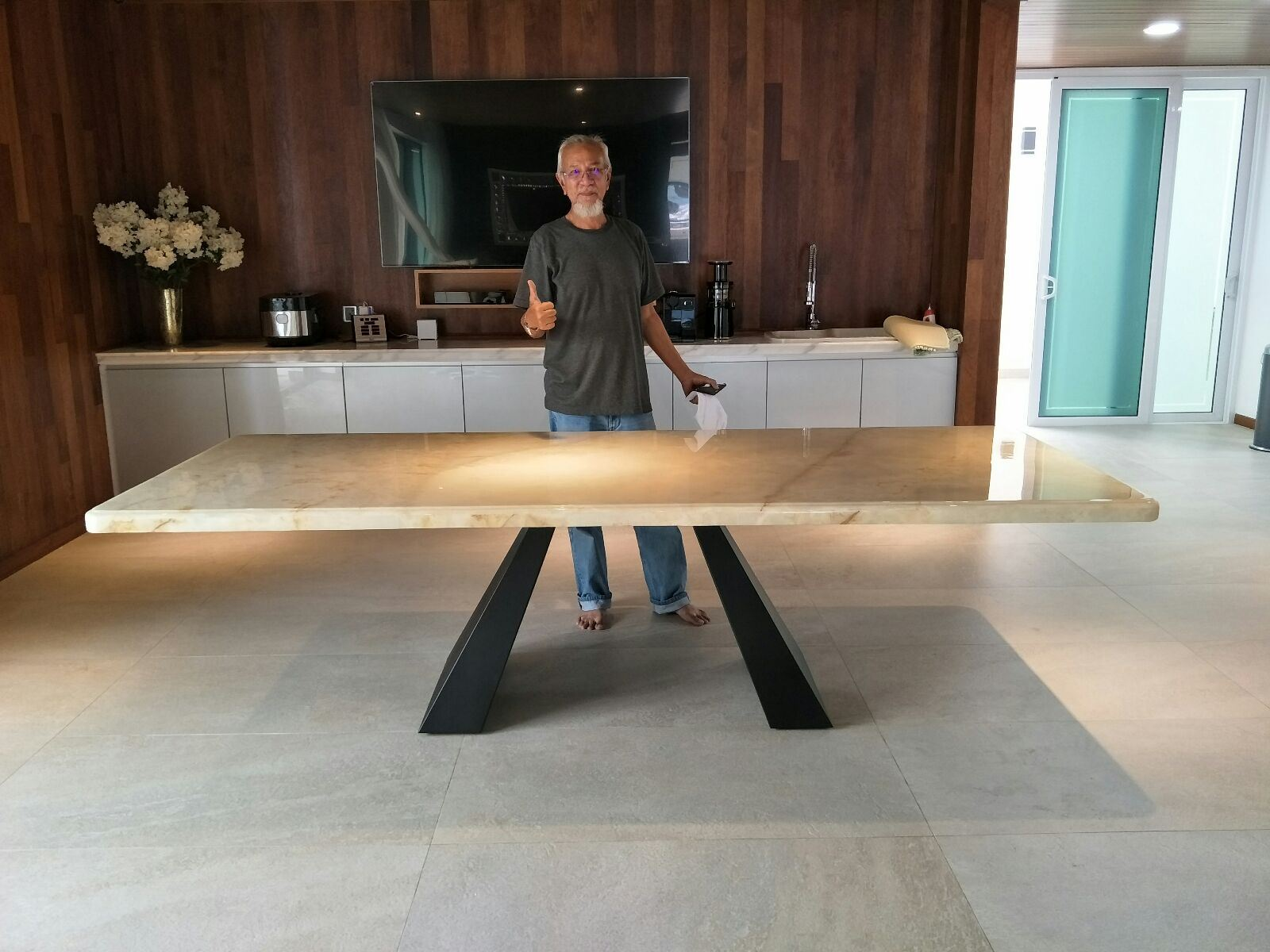 Onyx Dining Table From Turkey