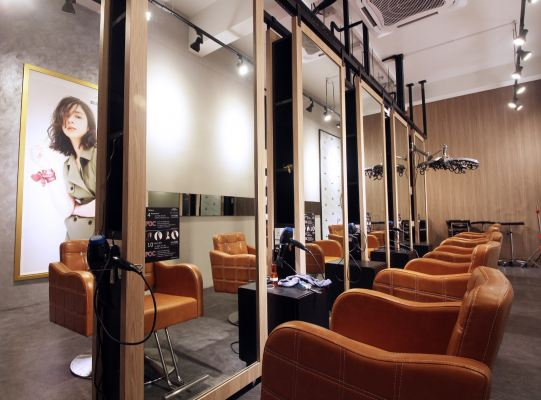 E.H. Hair & Make Up Studio