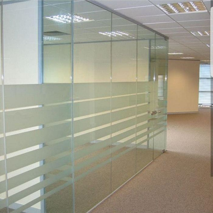 Clean Office Partition Glass & Mirrors