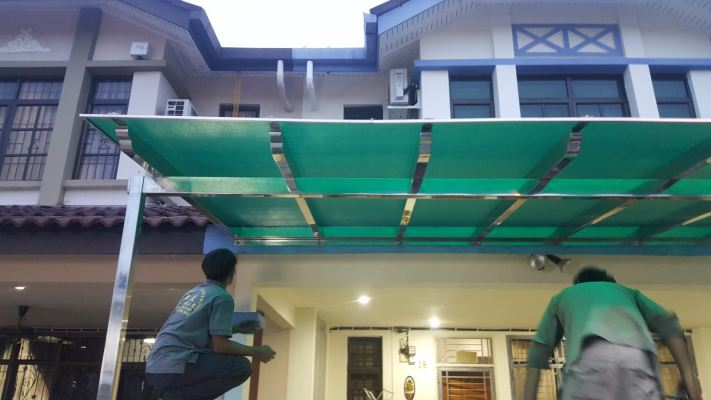 Awning & Polycarbonate Roof