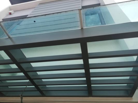 GLASS ROOF 104