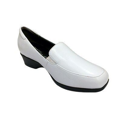 SC1024 StepCare Nursing Shoe White (RM169)