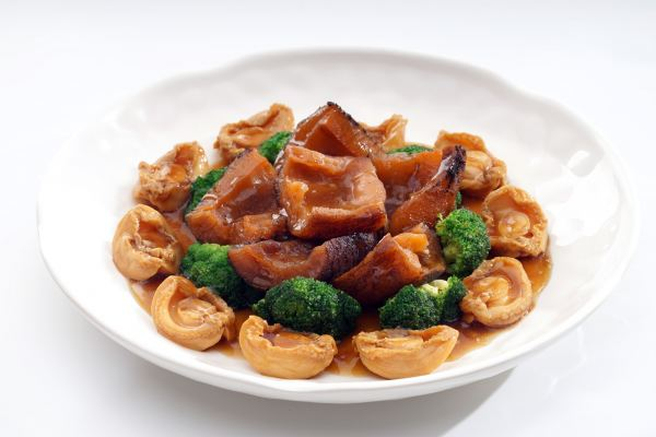 Braised Abalone & Sea Cucumber with Broccoli