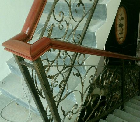 Wrought Staircase Handrail Design