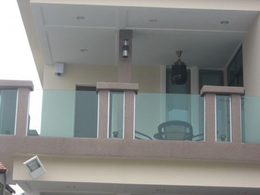 Design Of Fence On Balcony