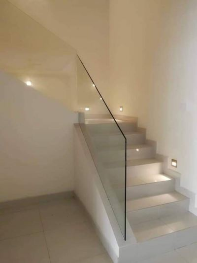 STAIRCASE GLASS RAILING 69
