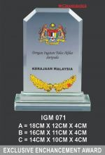 IGM 071 CRYSTAL PLAQUE
