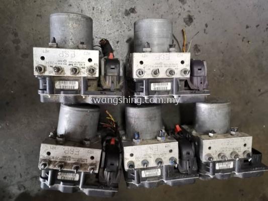 Audi A5 A4 B8 ABS pump