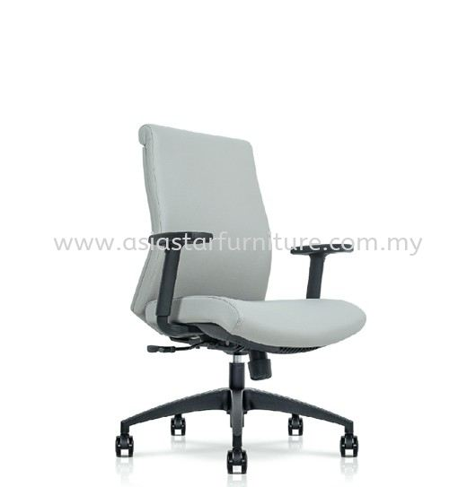 DARQUE EXECUTIVE LOW BACK CHAIR C/W ROCKET NYLON BASE