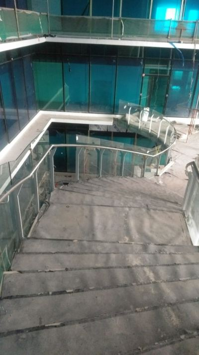 STAIRCASE GLASS RAILING 74