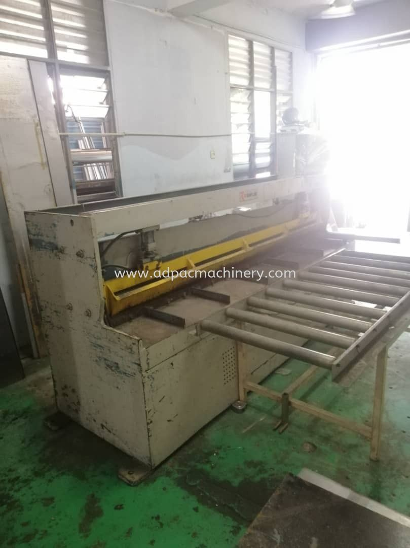 "Used ""Sunfluid"" Shearing Machine / Cutting Machine"