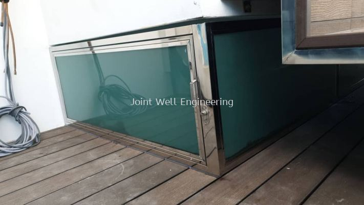 Storages Cabinet With Glass