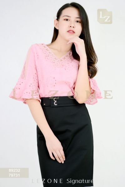 89232 PLUS SIZE BELL SLEEVE LACE BLOUSE��2ND 50%��