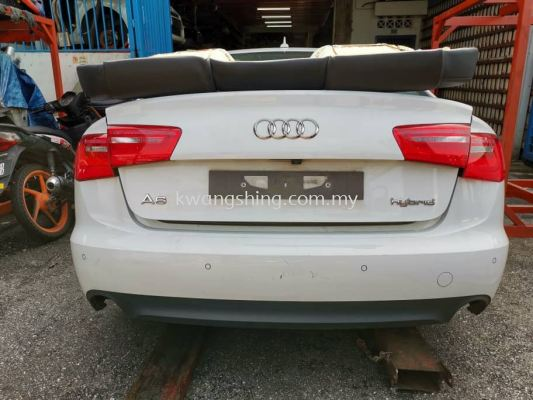 Audi A6 C7 Hybrid Rear Cut