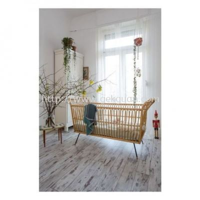 RBB 014 - RATTAN BABY BED