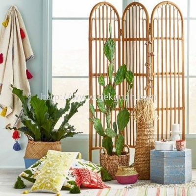 SCR 031 - RATTAN SCREEN DIVIDER