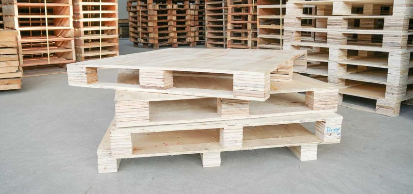 Wooden Pallets/Crates