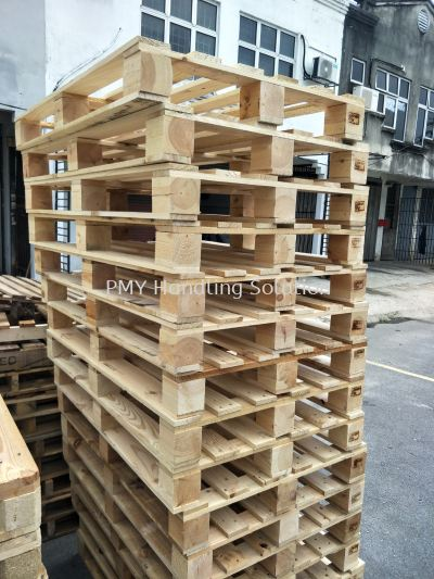 Wooden Pallet Rental